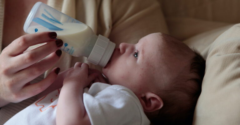Is It Ok To Mix Formulas for Baby? Learn What is Safe and Not