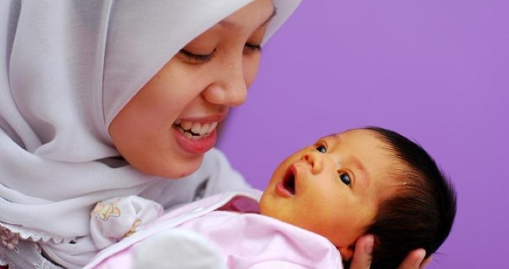 newborn has physiological jaundice