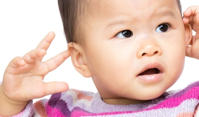 Read more about the article Why Do Babies Hit Themselves? 8 Reasons & Ways to Stop It