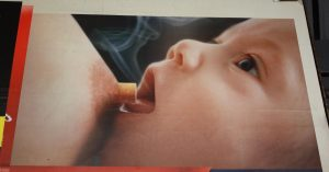 Smoking While Breastfeeding – 7 Effects on Your Baby & Milk