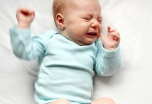 7 Tips When Baby Refuses Crib Sleeping – For a Happy, Peaceful Baby!