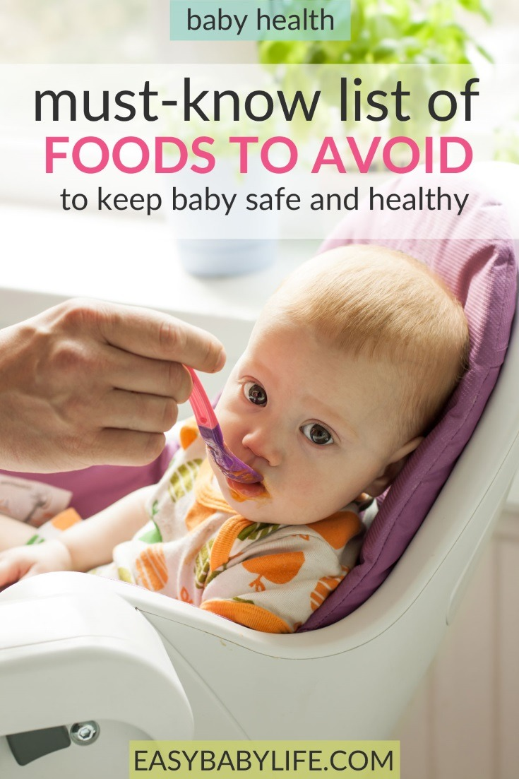 Some foods can be very bad for young babies. Here's a free printable with all the foods to avoid for babies listed! Baby foods to avoid, baby food printable free, honey to babies, dangerous foods for babies. #baby