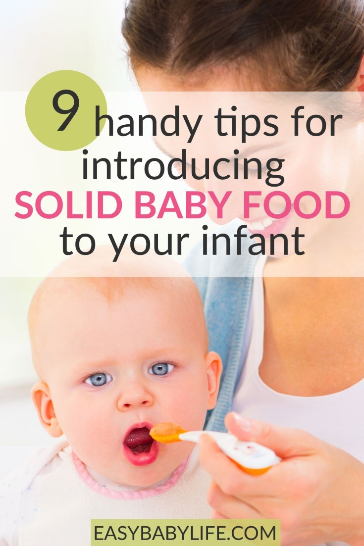 Tips when introducing solid baby food to your baby! Feeding baby cereal first time, baby feeding tips, introducing solids to baby, when to introduce baby food, amount, what to feed baby first time