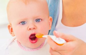 9 Handy Tips for Introducing Solids to Your Baby