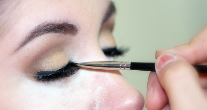 make your own eyeliner