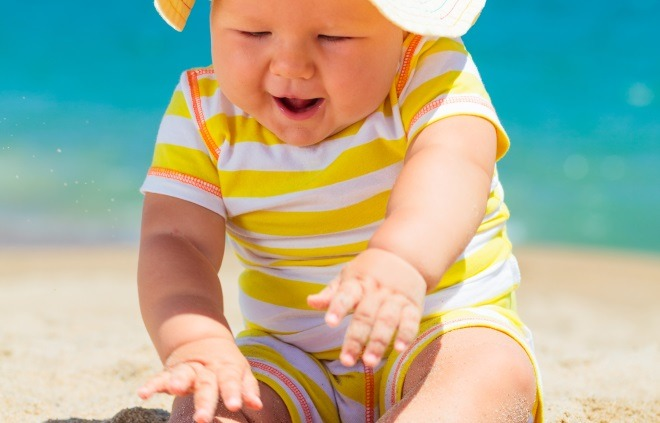 10 Tips for a Wonderful (Sunny) Vacation with Your Baby!